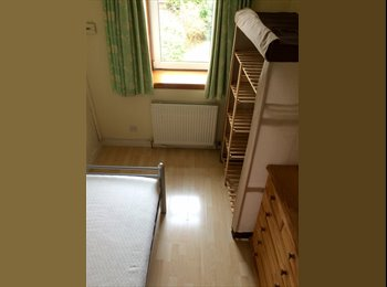 Furnished single room in West End