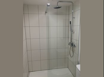 EasyRoommate UK - Premium Professional Ensuite Newcastle Cleaned weekly Close to Town centre and Royal Stoke - Newcastle-under-Lyme, Newcastle under Lyme - £498 pcm
