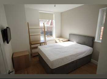 EasyRoommate UK - ONE OF THE BEST STUDENT PROPERTIES IN FALLOWFIELD!, Fallowfield - £478 pcm