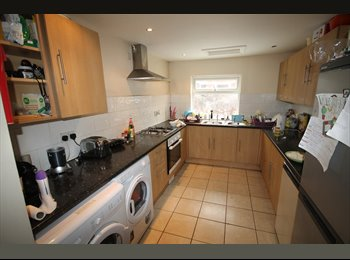EasyRoommate UK -  6 BED, FURNISHED STUDENT PROPERTY IN CENTRAL FALLOWFIELD , Fallowfield - £413 pcm