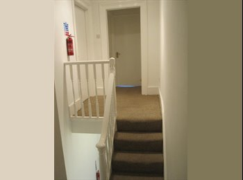1 bedroom to rent in 5 bedroom house in Central London