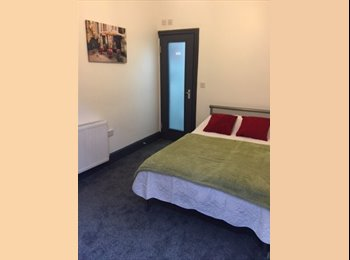 BRIGHT, VERY SPACIOUS AND WELL PRESENTED DOUBLE ROOM