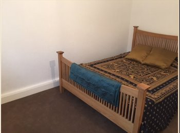 DOUBLE ROOMS TO LET IN A SHARED HOUSE
