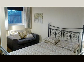EasyRoommate UK - 2 large double rooms, great location £400pcm inc all bills, Hartlepool - £400 pcm