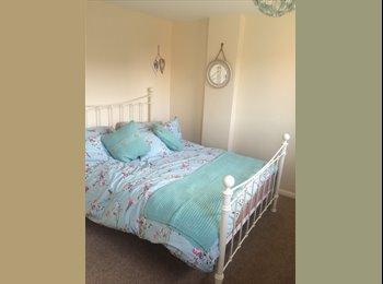 Lovely double bedroom in Aylesbury
