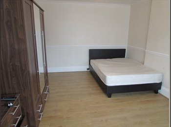 2 Double Rooms on Ringwood Road all bills included