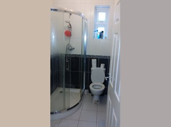 Lovely double room with en-suite and furnished