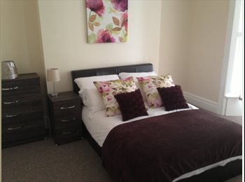 Furnished Room in Town House Close to Centre of Grimsby