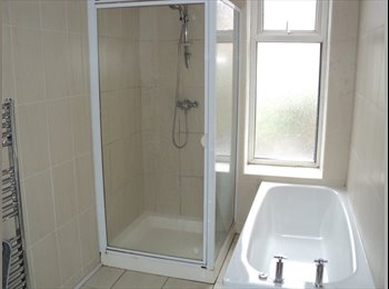 EasyRoommate UK - Clean and tidy double room. - Norfolk Park, Sheffield - £205 pcm