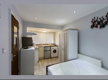 ALL BILLS INCLUSIVE! STUDIOS WITH ENSUITE! NEWLY RENOVATED!