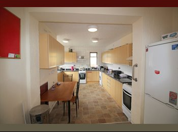 EasyRoommate UK - DOUBLE ROOM - EUGSTER AVENUE - KEMPSTON, Bedford - £400 pcm