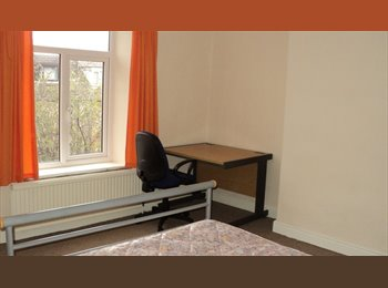 EasyRoommate UK - Clean & tidy STUDENT rooms S2 5HF, for 2016-17 - Norfolk Park, Sheffield - £205 pcm