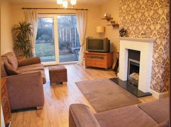 EasyRoommate UK - Double room available in spacious 3 bedroom house - Cheadle, Stockport - £380 pcm