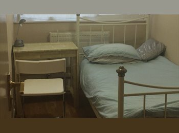 CHEAP AND BRIGHT  SINGLE ROOM  £95 pw bills  incl.