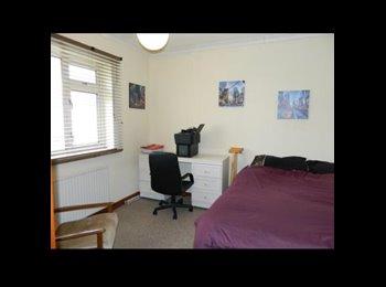 EasyRoommate UK - good size double bedroom - Brislington, Bristol - £415 pcm