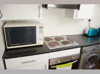 10 Albion Street 4 bedroom flat Leicester City Centre
