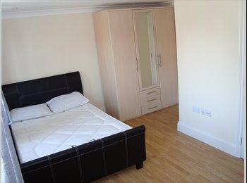 # Two En-Suite Rooms Now on in Stratford/Westfield