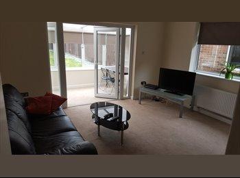 Large double en-suite room North Cambridge