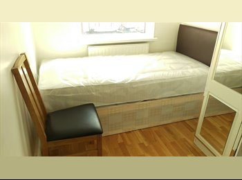 Single room available in Ilford