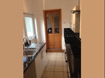 EasyRoommate UK - Newly renovated to high standard, double bedrooms. - Bolsover, Chesterfield - £303 pcm