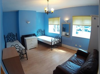 BIG twin room for rent in Stratford