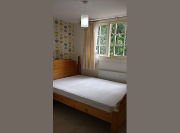 Small Double Room. 5 Mins Walk from Macc Station.