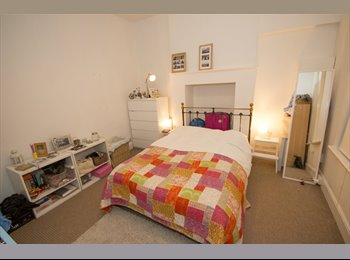 Double bedroom in shared flat with garden