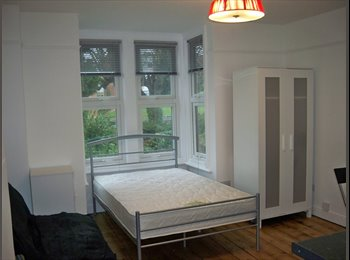 Studio in great town centre location