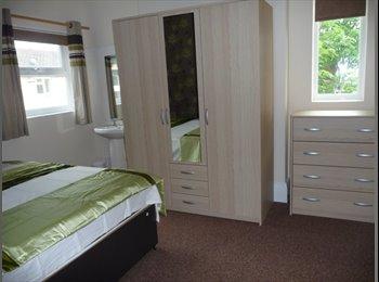 EasyRoommate UK - Double room with vanity sink, Woodston, Peterborough - Woodston, Peterborough - £390 pcm