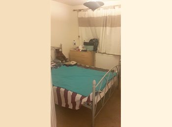 EasyRoommate UK - Room rent in High Wycombe - Downley, High Wycombe - £300 pcm