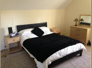 Double room to rent in village location