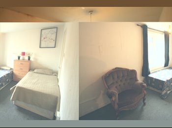 s. CALEDONIAN ROAD::Great deal for a huge twin room located...