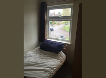Single bedroom for rent in house