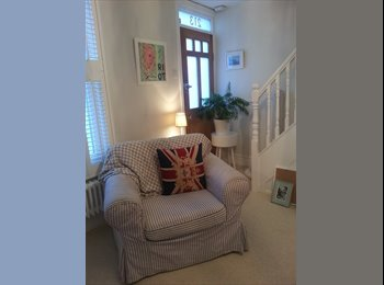 EasyRoommate UK - Lovely room to rent  - Chichester, Chichester - £400 pcm