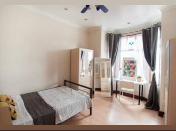 BRAND NEW HOUSE LOCATED IN STRATFORD/ZONE2!ONLY FEW ROOMS...
