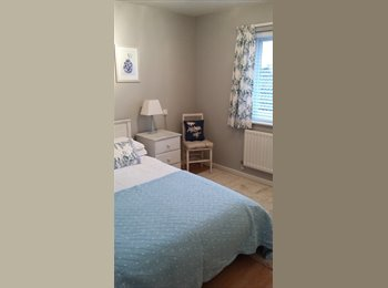 Bright, clean well furnished room in quiet street