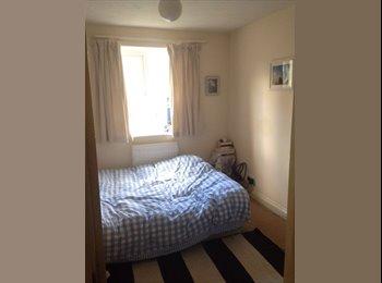 Caversham Double Room IMMEDIATELY available