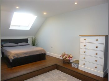 EasyRoommate UK - Luxury Double En Suite  Bedroom - Suitable for Couples - Exeter, Exeter - £700 pcm