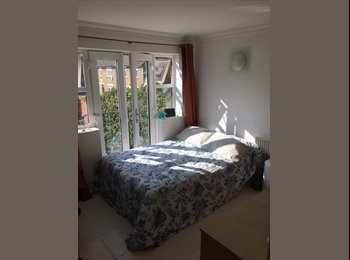 Modern & Bright Double Room in Camden Town