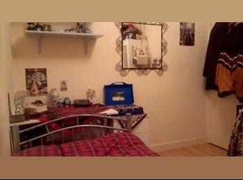 EasyRoommate UK - Room in Female Flatshare in Vibrant Kentish Town - Kentish Town, London - £629 pcm