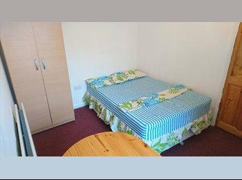 EasyRoommate UK - Four Bedroom House - Located in Leyton - Leyton, London - £1,650 pcm