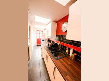 EasyRoommate UK - ***Two Double Rooms Available Now** Walking distance from city centre - Norwich, Norwich and South Norfolk - £415 pcm