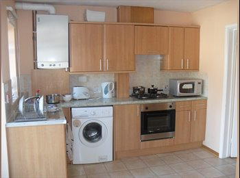 EasyRoommate UK - Spacious Single Room - FEMALES ONLY - All bills inc - Mowbray Road - Cherry Hinton, Cambridge - £450 pcm