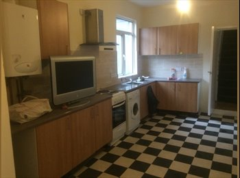 Big room 5 Mins from Oxford Road Available Now!!!!!