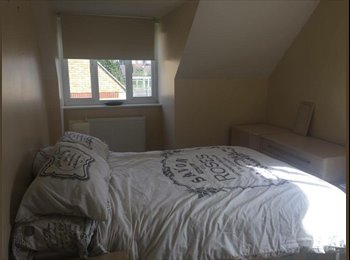 Double bed ensuite with parking, utilities included