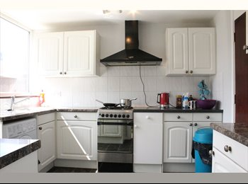LOVELY FULLY FURNISHED LARGE DOUBLE ROOM IN A NEWLY...
