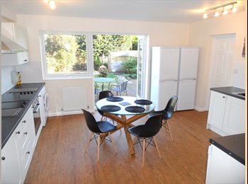 EasyRoommate UK - NOT TO BE MISSED! FAB ENSUITE FOR GIRLS! - Caversham, Reading - £735 pcm
