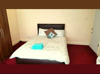 EasyRoommate UK - Great Rooms In Huge House - Edgbaston, Birmingham - £400 pcm