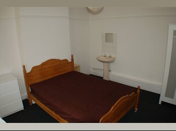EasyRoommate UK - Beautiful Double Room in Boscombe  - Boscombe, Bournemouth - £480 pcm