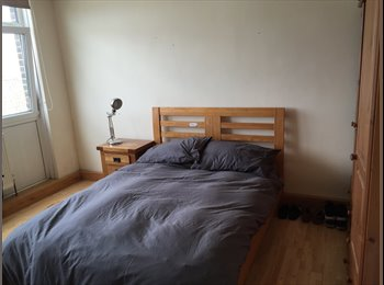 EasyRoommate UK - Large Double Room available in Putney (SW15 2AY) - Putney, London - £715 pcm